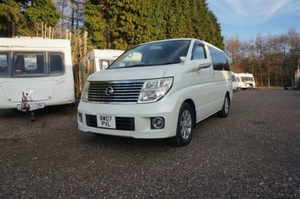 Andy's Nissan Elgrand 1
